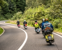 3 Castle Ride 2018      Vespa Carpathian Rides