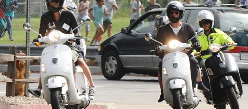 Star-uri pe Vespa….in fiecare zi (Gwyneth Paltrow)