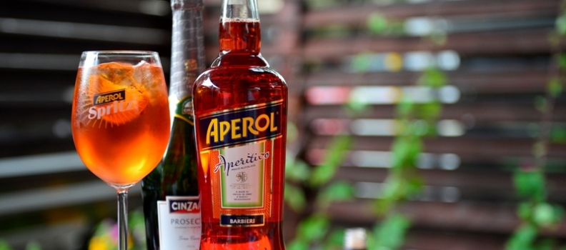 Alegi Aperol Spritz si castigi o Vespa :)